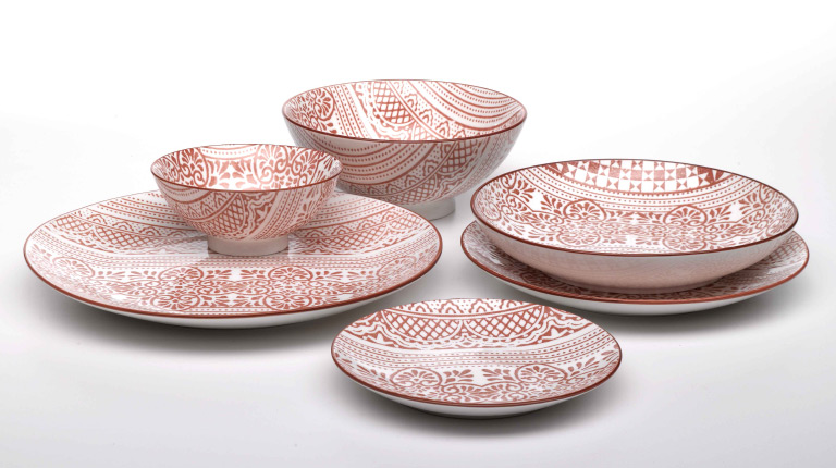 New porcelain collections to personalize the table