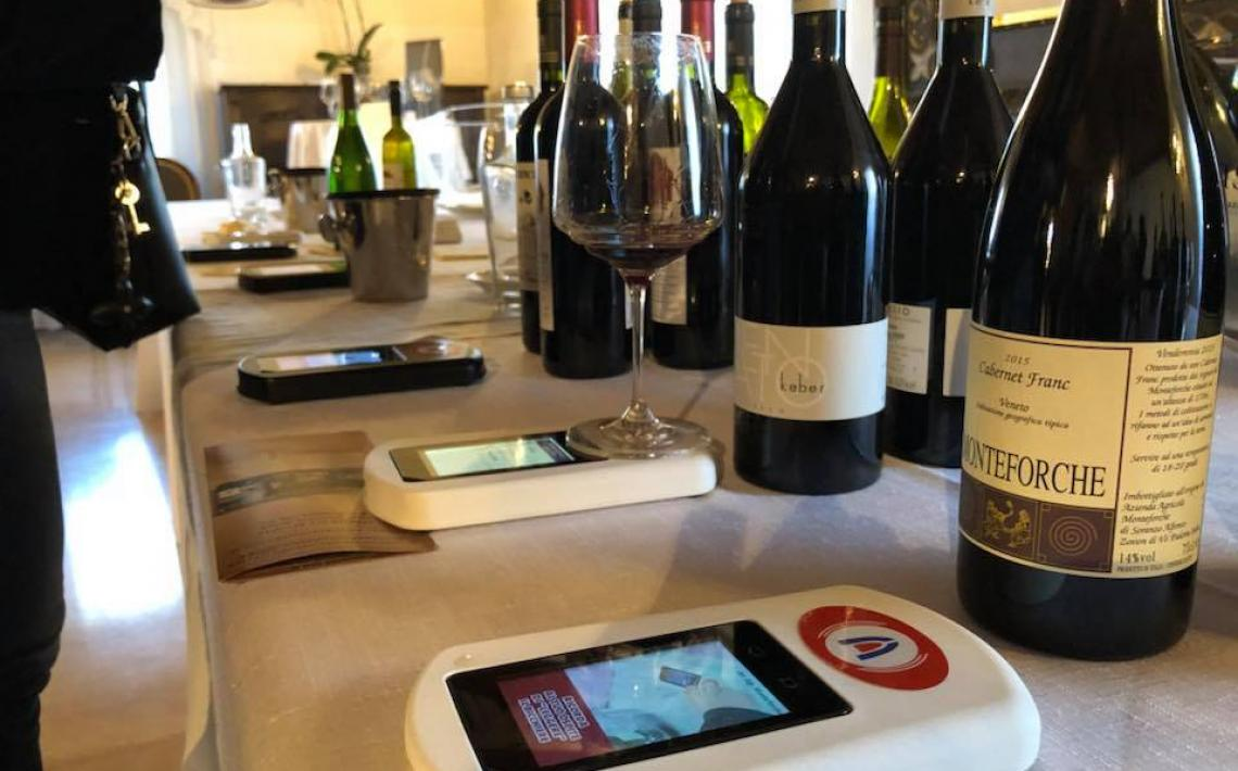"Zafferano, a technical partner of Vini da Terre Estreme, takes part in an introduction to the ""smart wine glass"""
